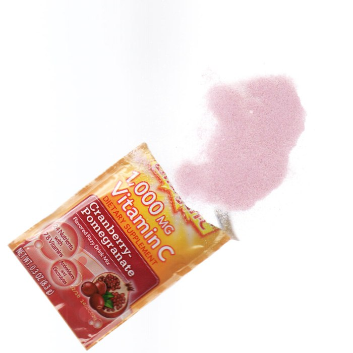 Packet of cranberry-pomegranate Emergen-C